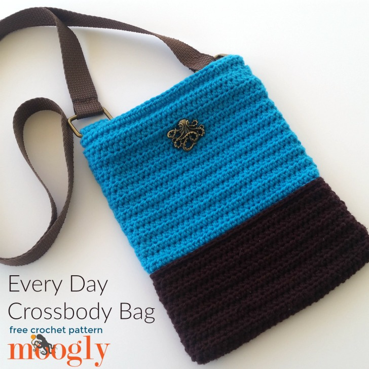 Every Day Crossbody Bag - free crochet pattern on Mooglyblog.com