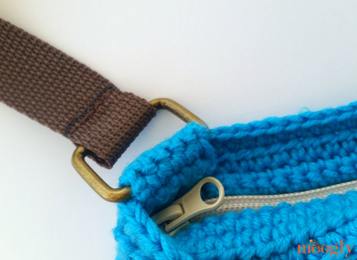 Every Day Crossbody Bag - Free #Crochet Pattern on Moogly!