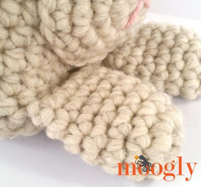 Long Eared Bunny Basket - free crochet pattern on Mooglyblog.com!