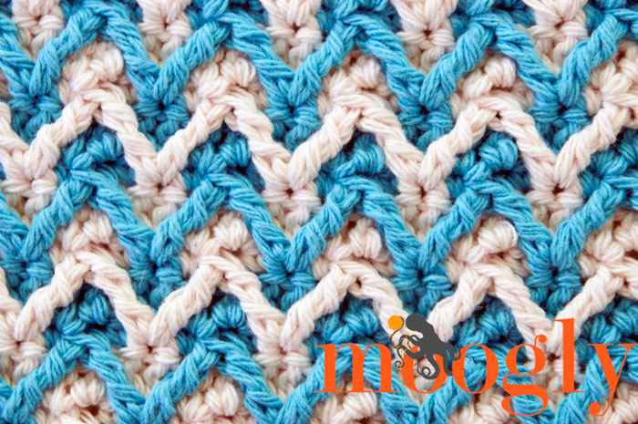 Closeup of Stitch Pattern on Mooglyblog.com