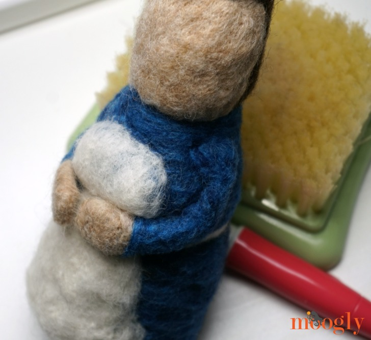 Going Gnome: Needle Felting Kit Review (and Coupon Code!) on Moogly!