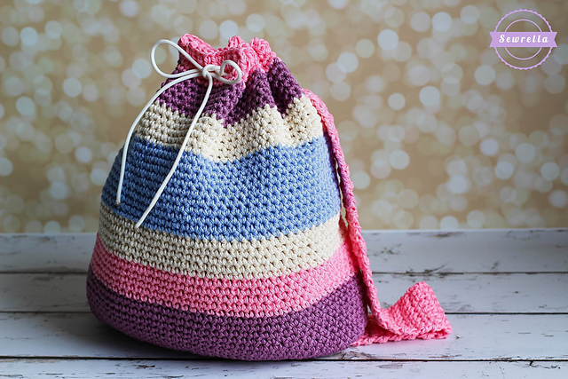 10 Free Crochet Patterns to make for Back to School! Get the whole collection on Moogly!