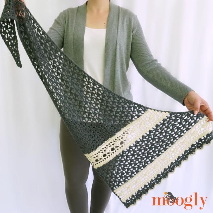 Quicksilver Shawlette - free crochet pattern on Mooglyblog.com