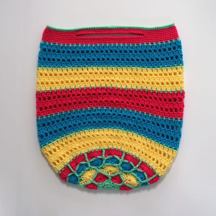 Vanna Mandala Tote by Moogly, on Love Crochet - free pattern!