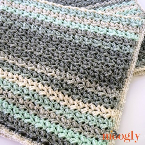 Free crochet blanket patterns for beginners are the ultimate crochet afghan patterns. Make a gorgeous new afghan for your home or as a gift.