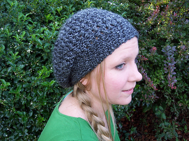 10 FREE crochet patterns made with Lion Brand Homespun Thick   Quick - that  make perfect c139970df0b
