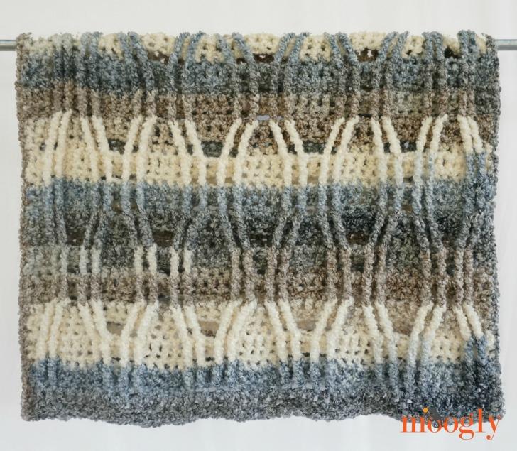 Austin Cables Throw - free crochet pattern on Mooglyblog.com!