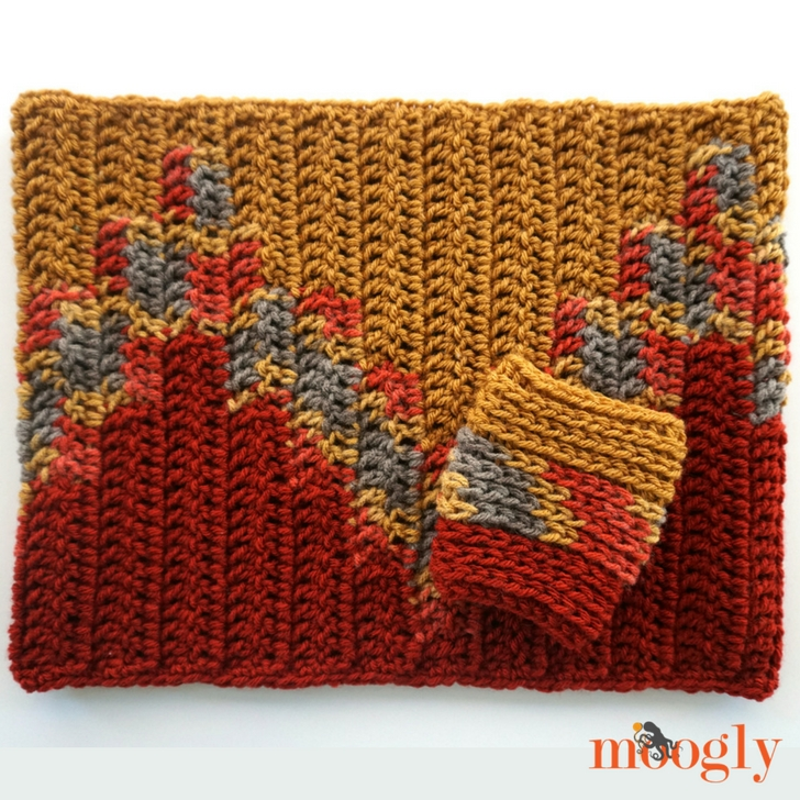 Bonfire Cowl and Coffee Cozy - free crochet pattern set on Mooglyblog.com!