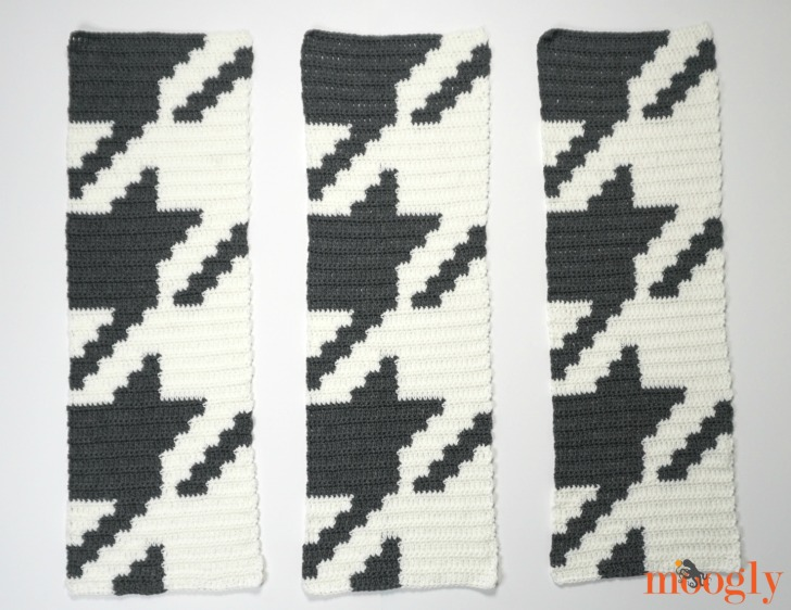 Houndstooth Squares Blanket - 3 stripes of crochet, ready for joining.