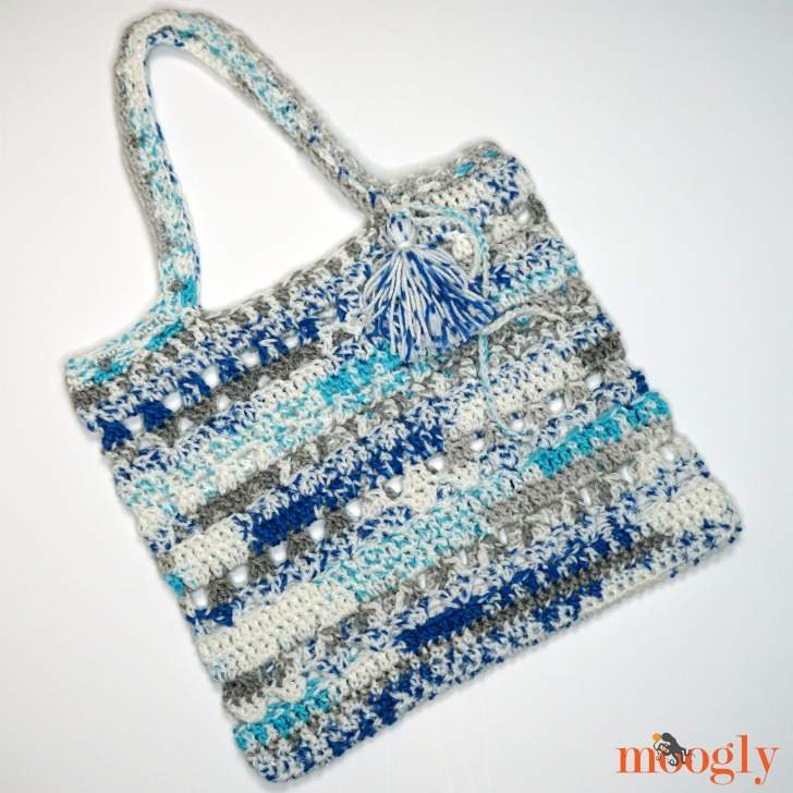 Fair Weather Beach Tote | crochet tote bag on a white background