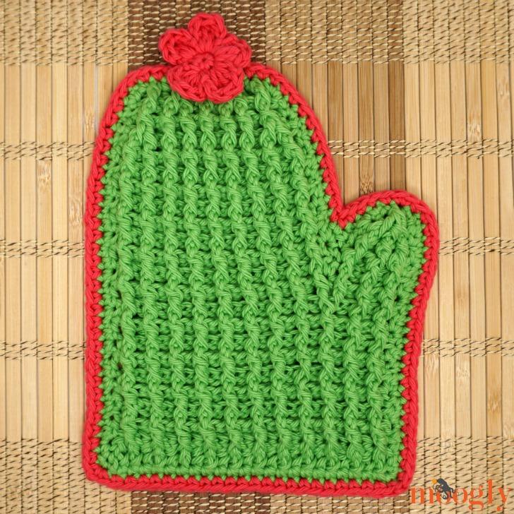 Crochet Tall Cactus Potholder alone