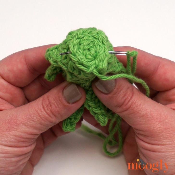 Pineapple Basket - free crochet pattern on Moogly!