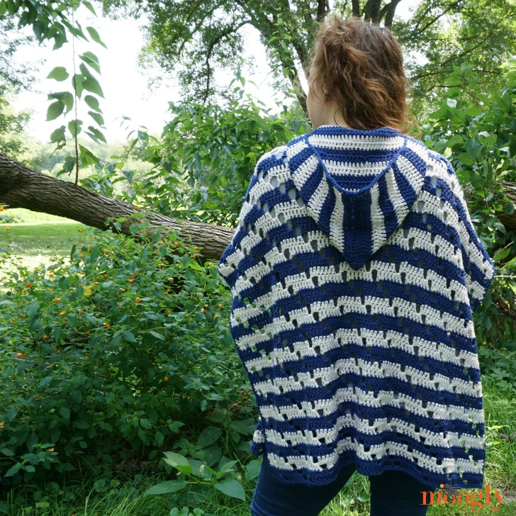 Chic Moves Poncho - back