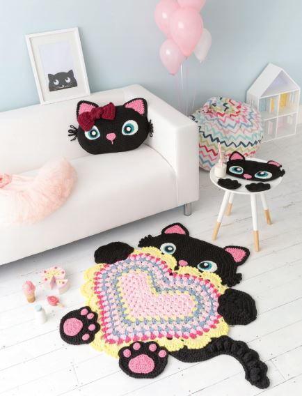 Crocheted Animal Rugs by Ira Rott - Sassy Kitty, Look 1
