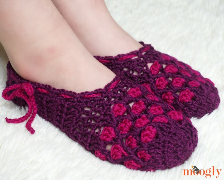 Chic Moroccan Slippers - on, side view, web