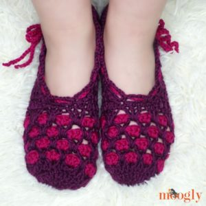 Chic Moroccan Slippers - on, top view, DIR