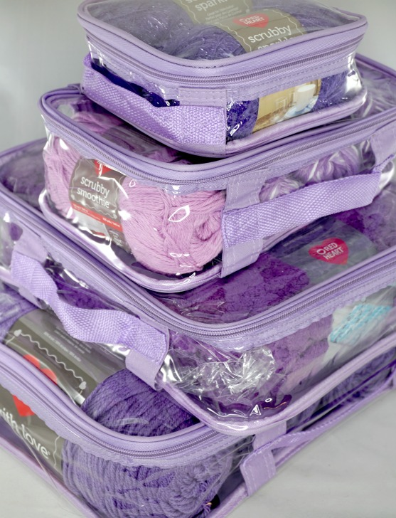 EzPacking Cubes filled with yarn