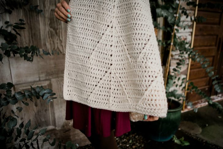 Snow Charming Cape by Tamara Kelly - details