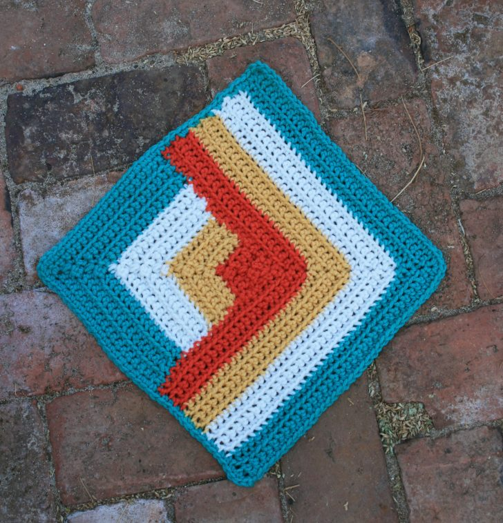 Moogly CAL 2018 Block 24: Ann's Angles Square by Linda Dean