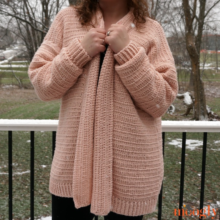 Cosmos Cardigan - at neck, DIR 2