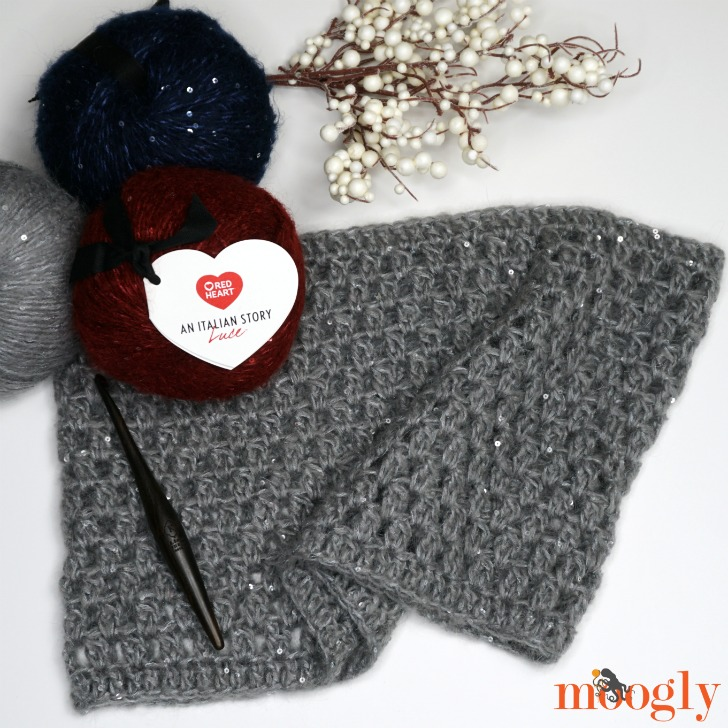 Make the Italian Elegance Cowl with the free crochet pattern on Moogly and Red Heart Italian Story Luce!