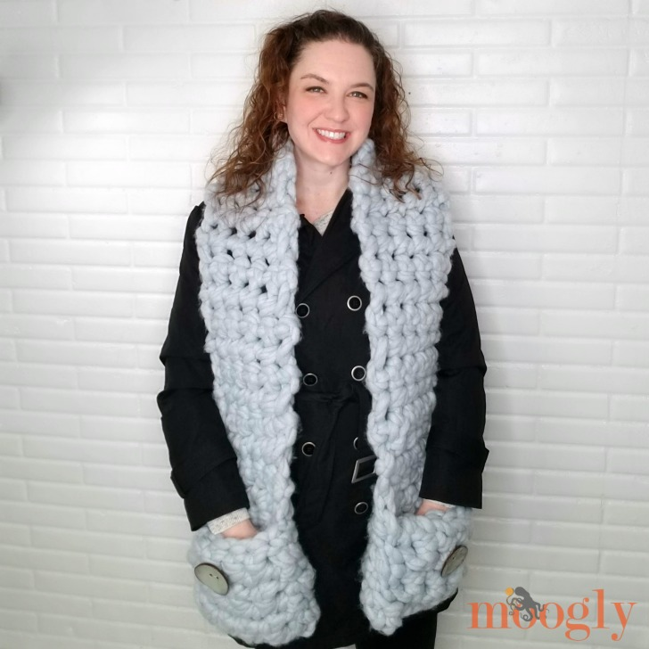Cool Hand Pocket Scarf - free pattern on Moogly!