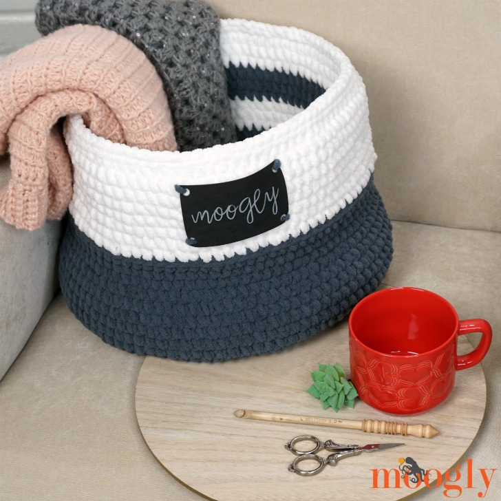 Simple Home Basket - get the free crochet pattern on Moogly!
