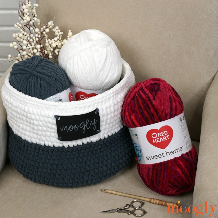 Simple Home Basket and Red Heart Sweet Home - free pattern and tutorial on Moogly!
