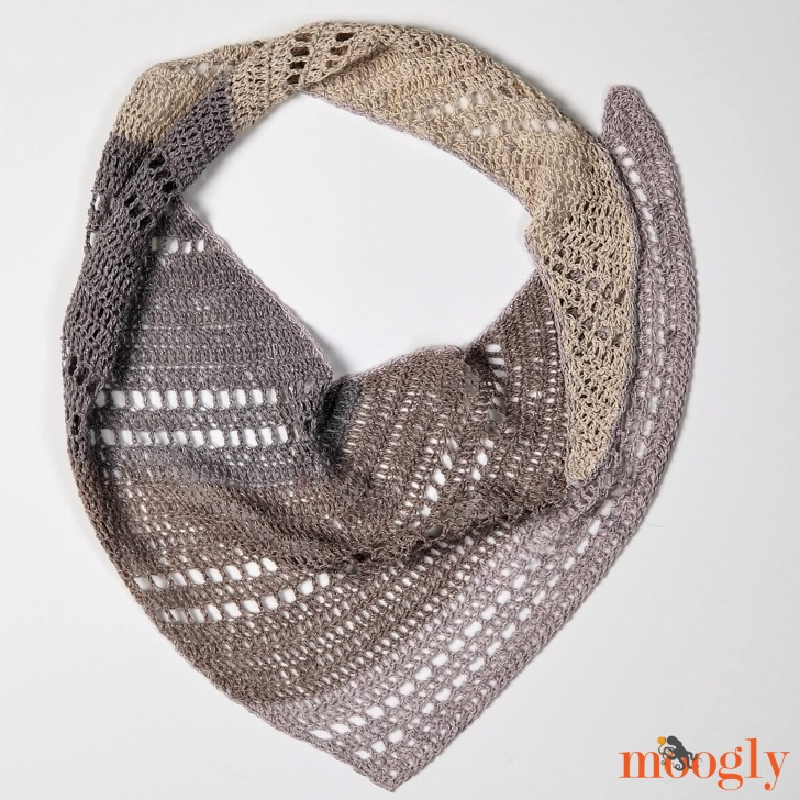Pixie Shawlette - laid in a circle, free pattern on Moogly