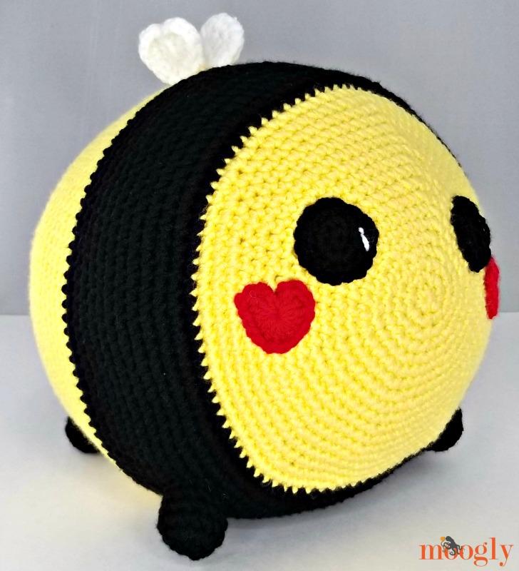 Benevolent Bumble Bee - front