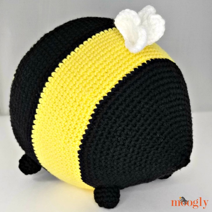 Benevolent Bumble Bee - rear