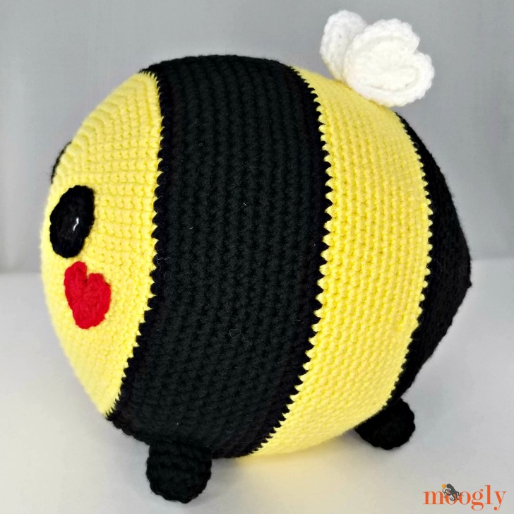 Benevolent Bumble Bee - side