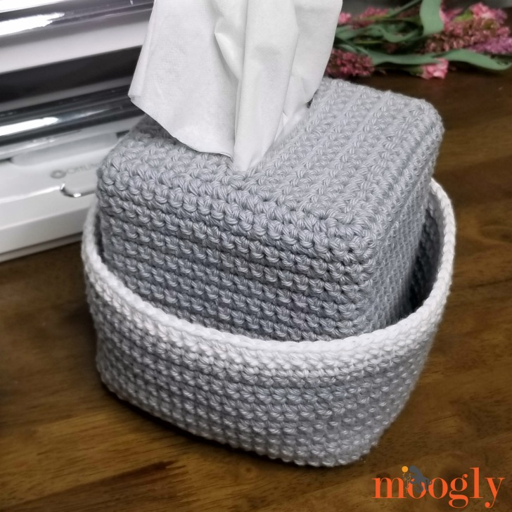 Crochet Tissue Box Organizer - free pattern on Moogly!