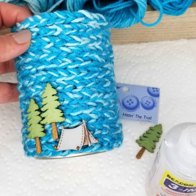 Finger Chain Can Cozy - glue on the decorations