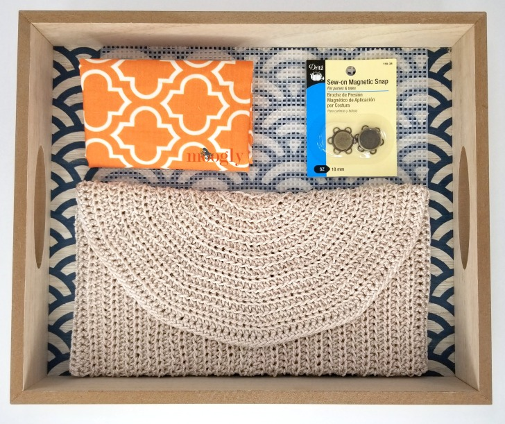 Perfect Summer Crochet Clutch supplies for finishing