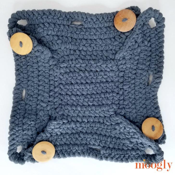 Button Up Basket - flat, unbuttoned