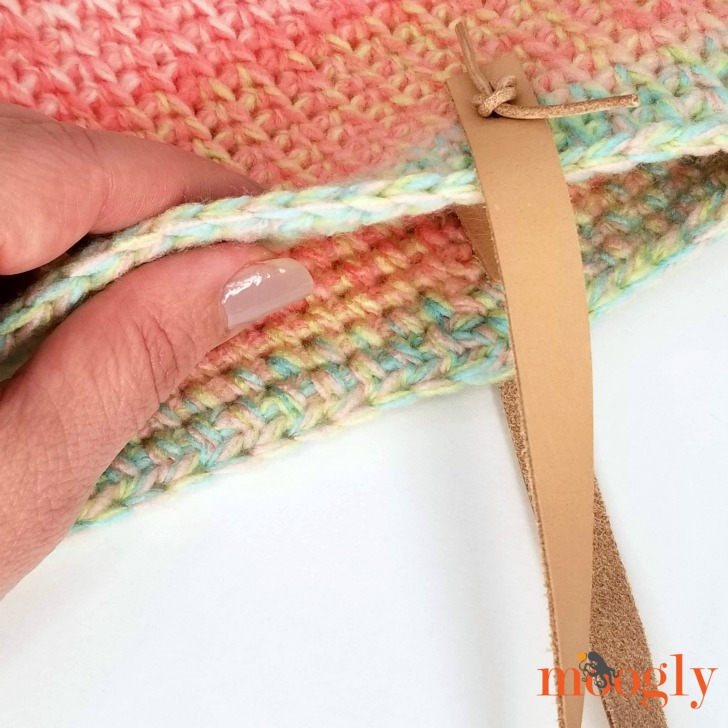 Closeup of the Sherbet Stripes Tote Fabric - get the pattern on Moogly!