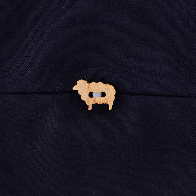 Uncommon Goods Travel Knitting Bag - button closeup