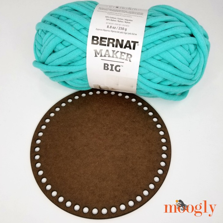 Bernat Maker Big and Basket Base - get the free pattern to combine them on Moogly!