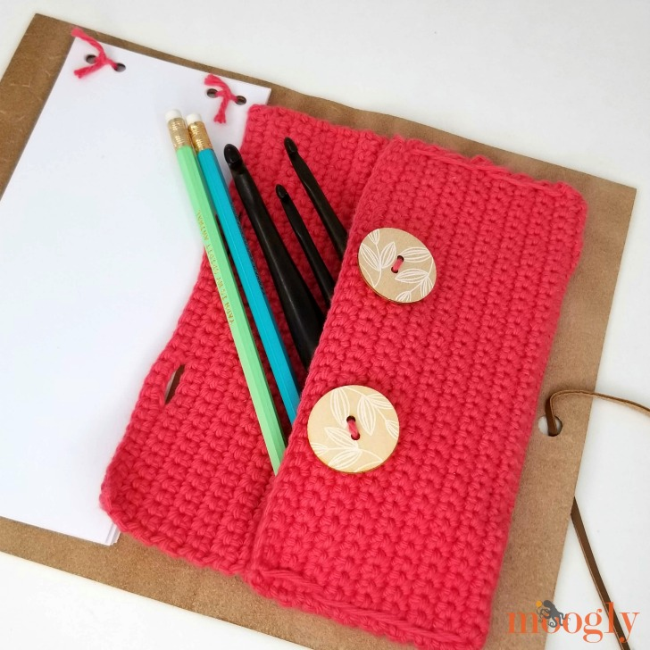 DIY Leather Notepad with Crochet Pouch - finished on Moogly