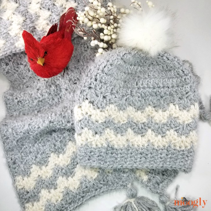 Hygge Cloud Hat and matching Super Scarf - get both patterns free on Mooglyblog.com!