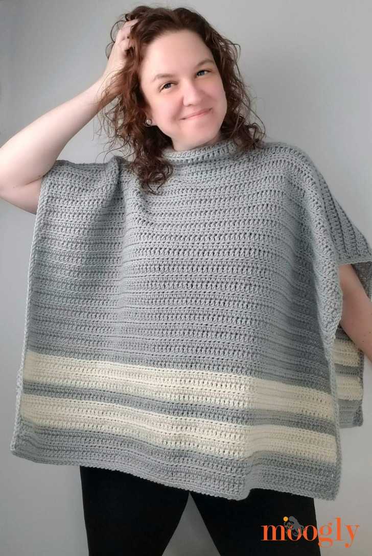 Playoff Poncho - Free Crochet Pattern in 9 sizes on Moogly!