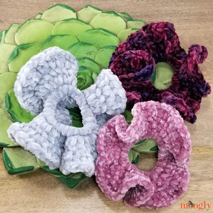 Hyperbolic Velvet Scrunchies - free pattern on Moogly!