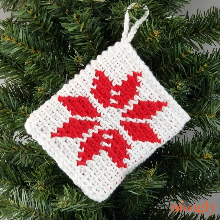 Nordic Star Christmas Ornament Pouch - free pattern on Moogly!