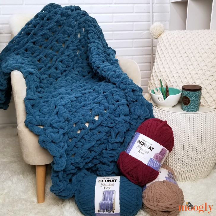 Three Hour Throw - get the free crochet pattern on Moogly and make your own big stitch blanket in one evening!