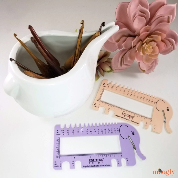 Knitter's Pride Needle & Crochet Gauge with Yarn Cutter Giveaway - with hooks
