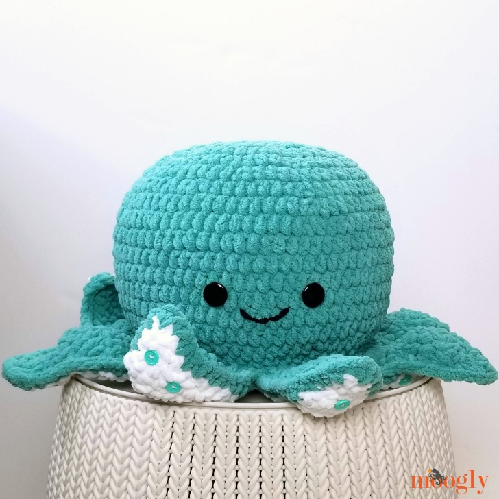 Octopus Squish - free crochet pattern on Moogly!