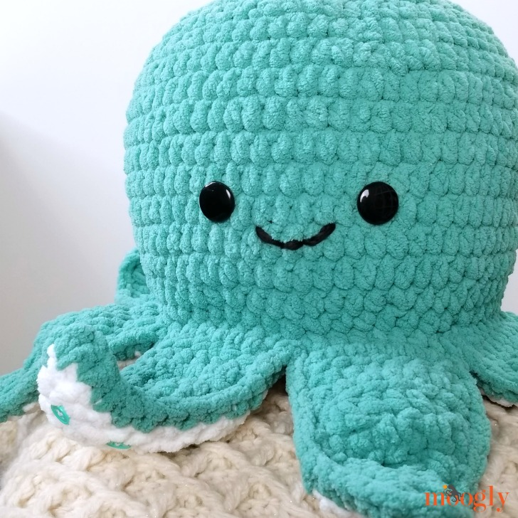 Octopus Squish - get this free crochet pattern with right and left-handed video tutorials on Moogly!
