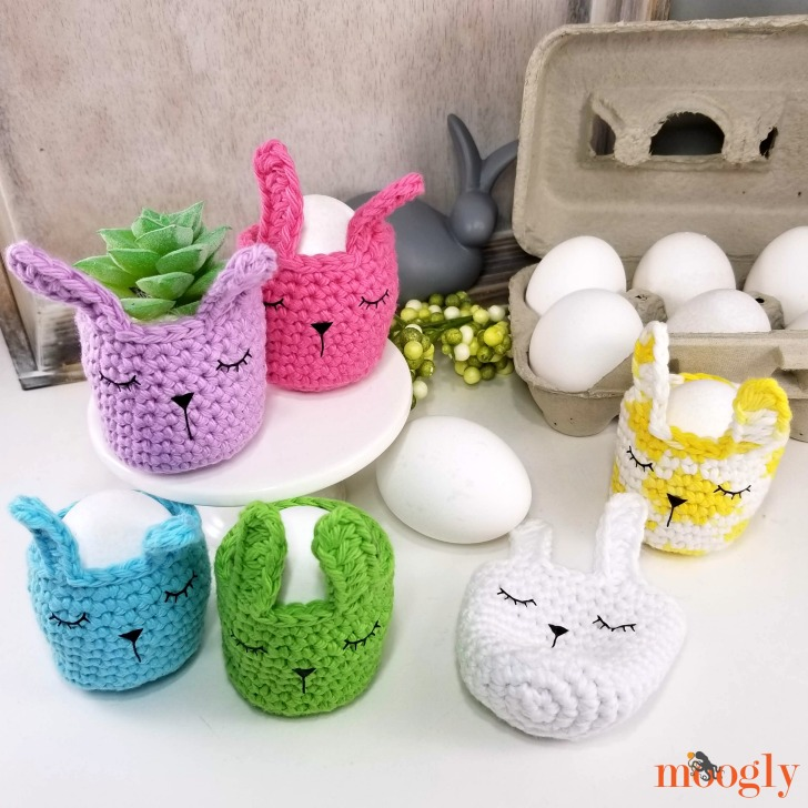 Sleepy Bunny Egg Cozy - free pattern on Moogly!