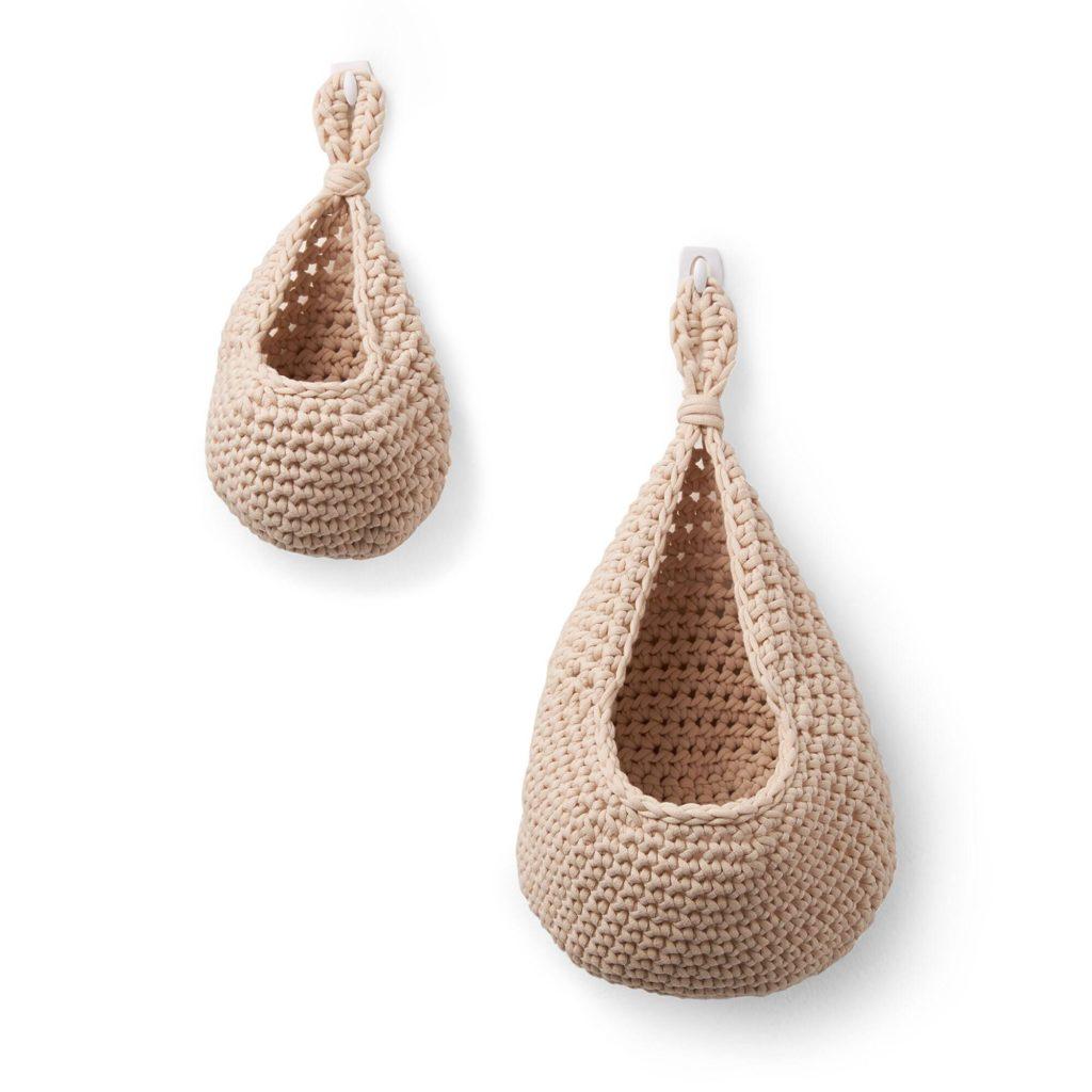 Bernat Hanging Crochet Planter Pod - free pattern